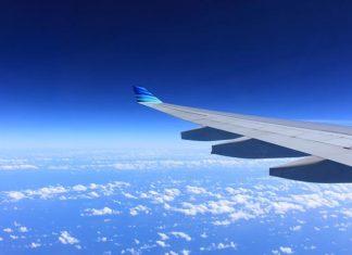 Bilety lotnicze na połączenia krajowe – czy mogą być tanie?